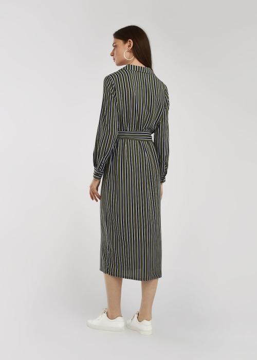 Платье в полоску с пряжкой